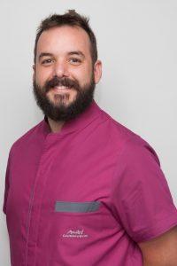 Alejandro Adana Vásquez - Protésico Dental