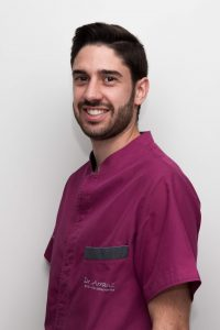 Dr. Victor Arranz Puentes - Odontología Conservadora y Rehabilitación