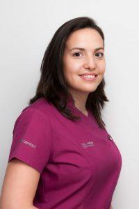 Dra. María José Adana Vásquez - Periodoncia y Cirugía